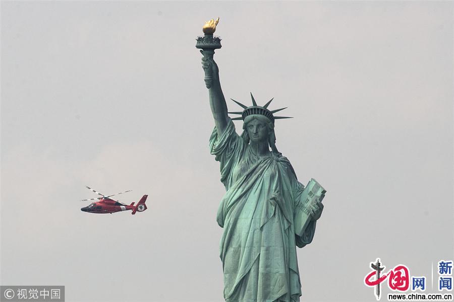 美国纽约自由女神像附近丙烷罐起火 岛上游客紧急疏散