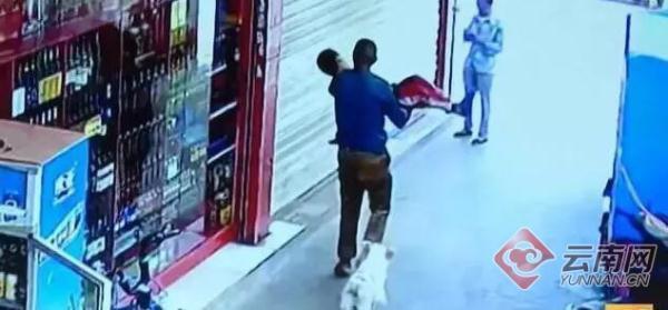 昆明6岁男童被陌生人当街抱走 嫌疑人已被批捕