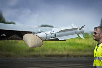 法国最先进阵风战斗机抵越南访问 60多年来首次