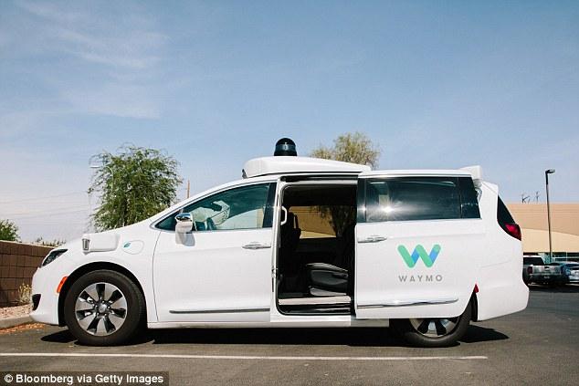 外媒曝Waymo自动驾驶车技术问题:不知道向左转