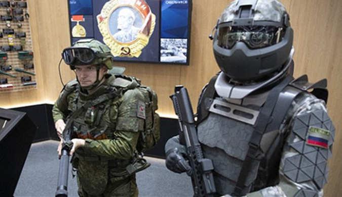 俄罗斯展示军用外骨骼套装 战士秒变超人力量
