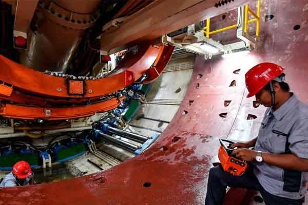 广州地铁十八和二十二号线首台大盾构始发