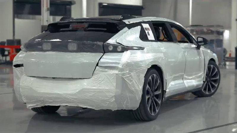 贾跃亭发文:法拉第未来首台试生产FF91下线