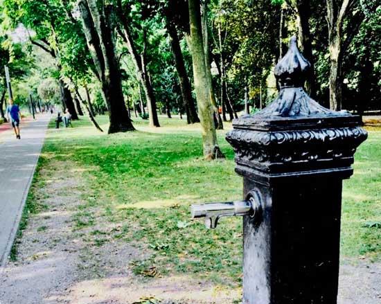 【布达佩斯印象】公共免费直饮水清凉畅快