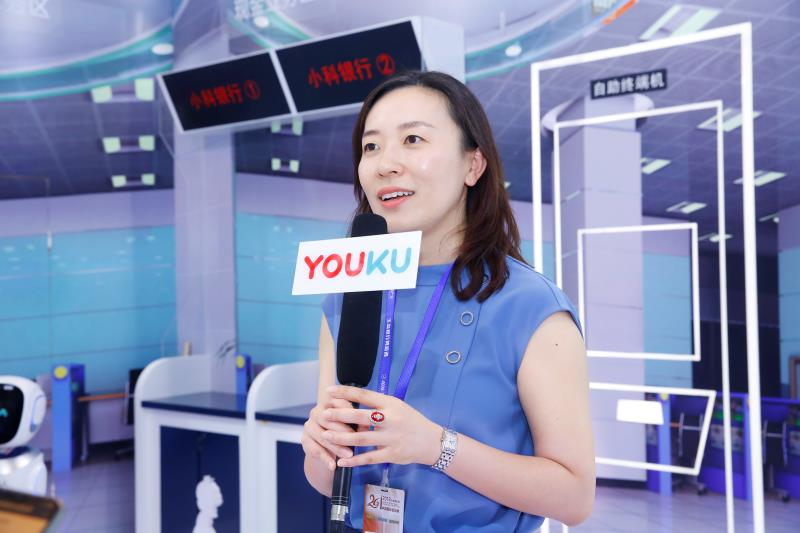 """重庆智博会遇见""""小智"""" 科沃斯让机器人应用落地"""