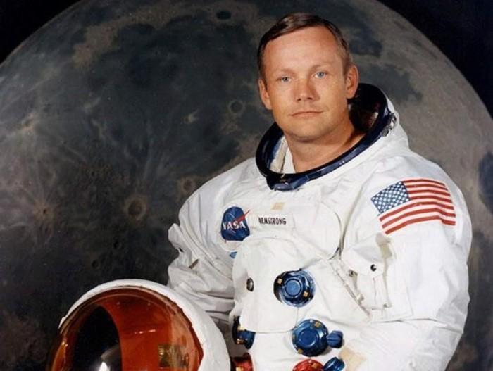 阿姆斯特朗登月宇航服在地球潮湿环境中不断降解