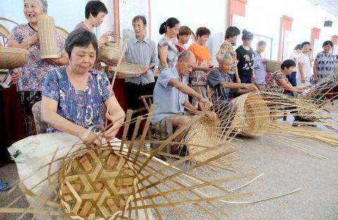 德清:竹编竞技 传承工艺