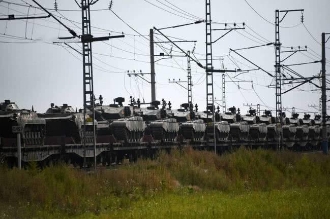 中国参与俄最大军演 俄媒:美压力把中俄焊在一起