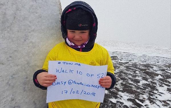 英5岁女童5个月52次登顶一山峰 相当于登珠峰3次
