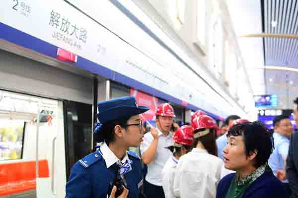 长春地铁2号线一期开通试运营