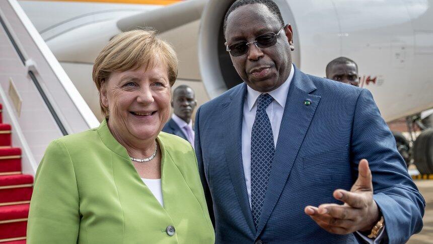 """默克尔""""西非之旅""""第一站!与塞内加尔达成一致打击非法移民"""
