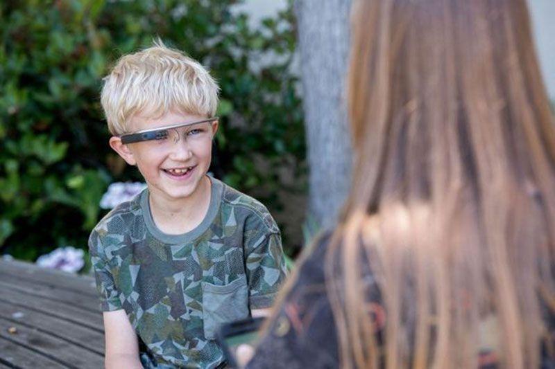 斯坦福大学研发超级眼镜 助自闭症儿童理解表情