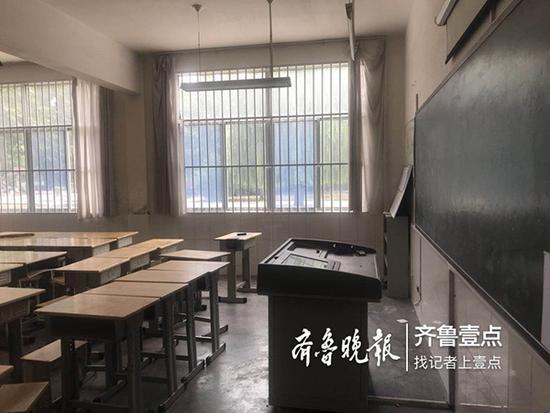 寿光灾区如期开学:教室已整修完毕 新课桌椅到位