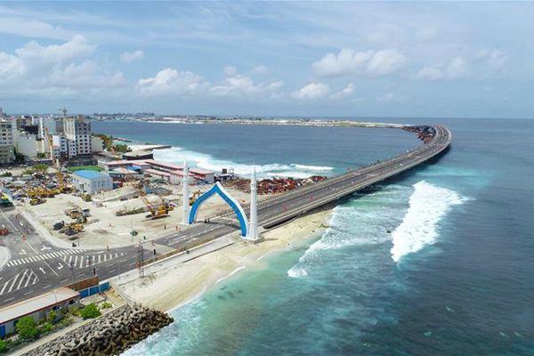 21世纪海上丝绸之路领域标志性建筑—中马友谊大桥正式开通