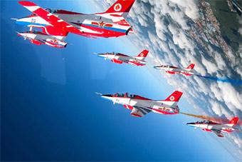 空军航空开放活动红鹰表演队飞行表演太漂亮了!