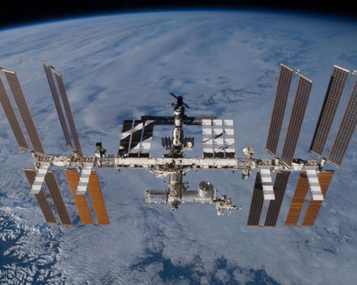 """飞船裂缝致空间站""""漏气""""NASA:不威胁人员安全"""