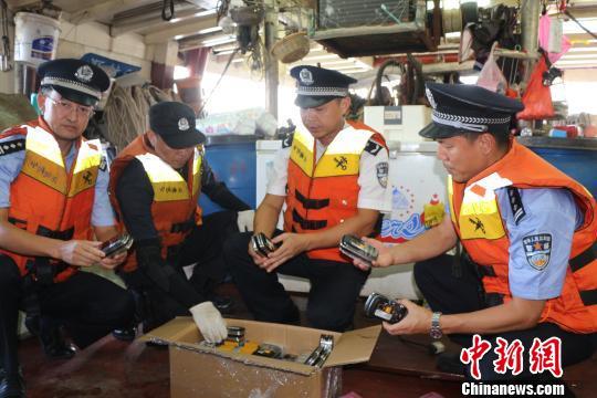 流动渔船水舱暗格内藏手机6000台被广州海关查获