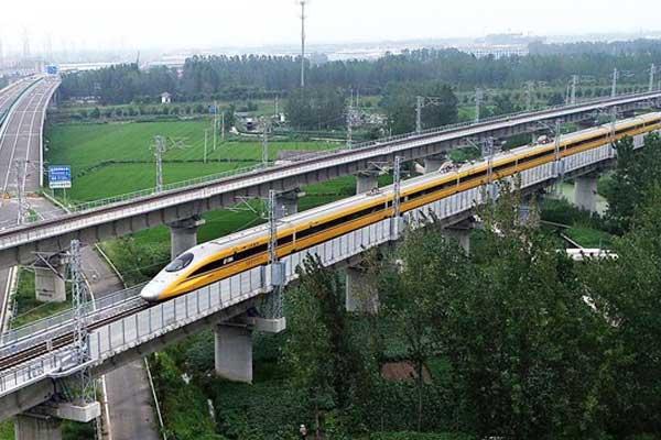高速检测列车首次在连盐铁路开跑