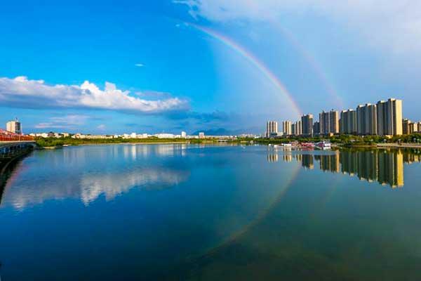 江西武宁上空出现彩虹美景