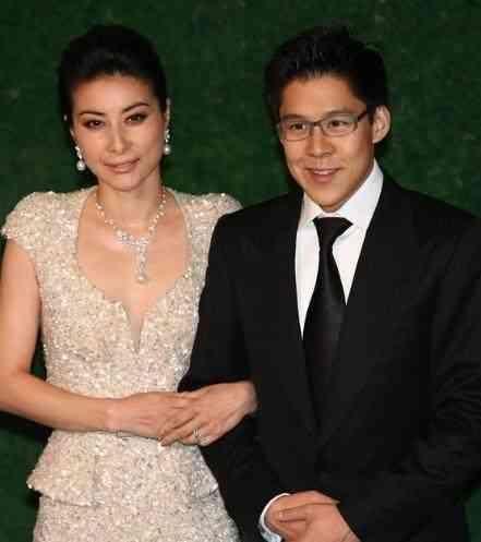 一嫁霍震霆二嫁罗康瑞,20岁以后专职豪门阔太,郭晶晶婆婆赢了