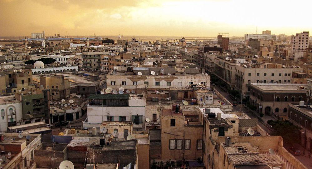 外媒:利比亚一难民营遭炮击造成至少4人死亡