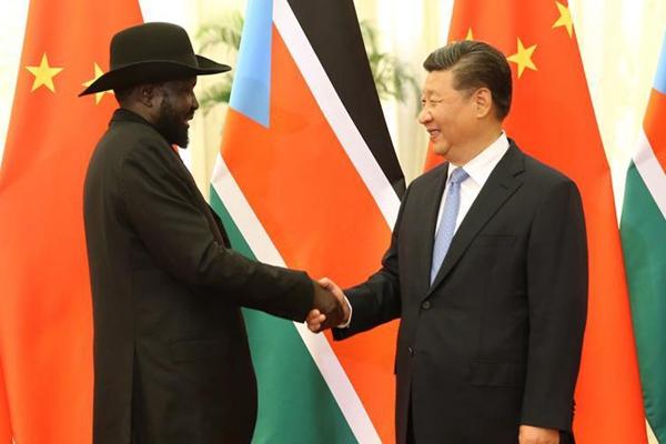 习近平会见南苏丹总统基尔
