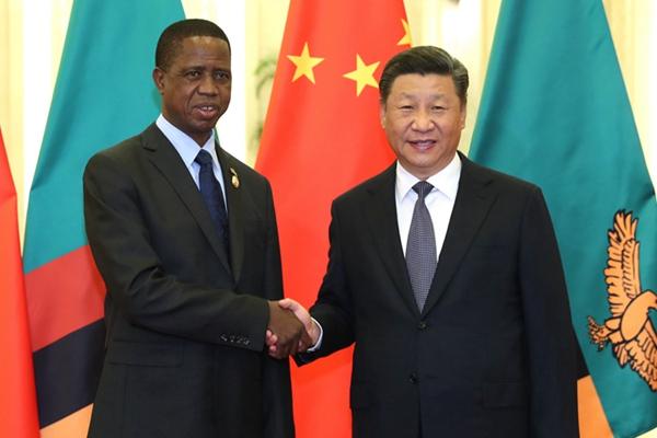 习近平会见赞比亚总统伦古