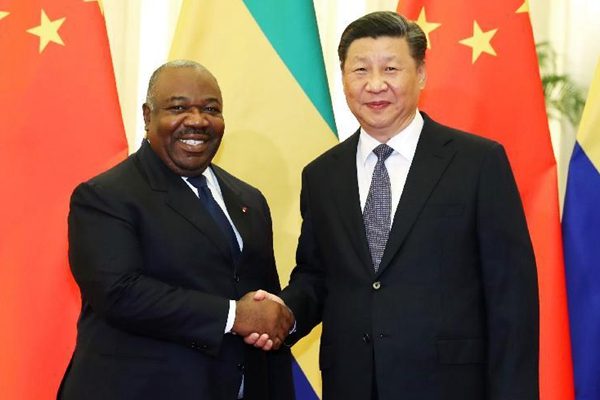 习近平会见加蓬总统邦戈