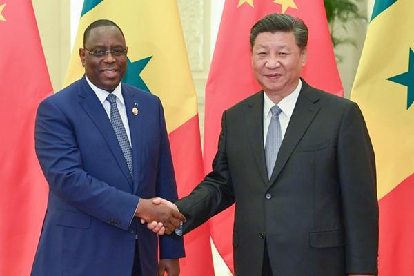 习近平会见塞内加尔总统萨勒