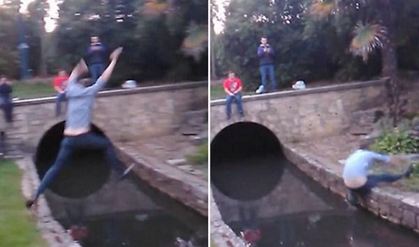 疼!英男子耍酒疯跳跃水渠 胯部猛撞边缘落水