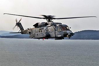 加拿大海军最先进反潜直升机巡航地中海海域