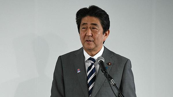 日本首相安倍晋三将赴俄参加东方经济论坛,考虑举行高层会晤