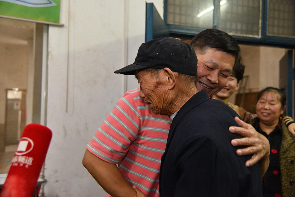 台湾青年助力两岸寻亲 用网络科技结束历史遗憾
