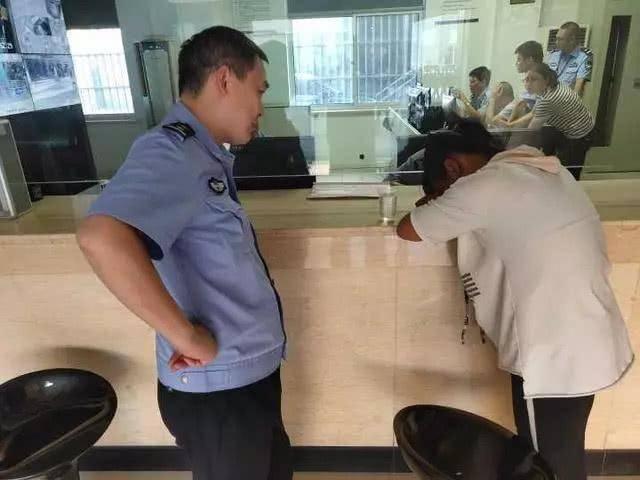 """渭南13岁女生报警称被绑架 称被""""坏人""""抓到杭州"""