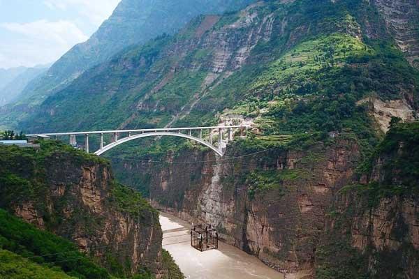 四川凉山77座溜索改桥全部建成