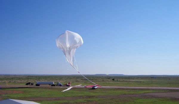 NASA最大零压力气球试飞:漂浮至4.8万米高空