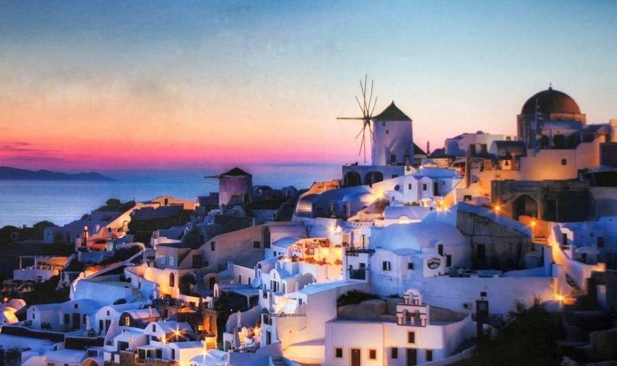 希腊圣托里尼岛将限制游客数