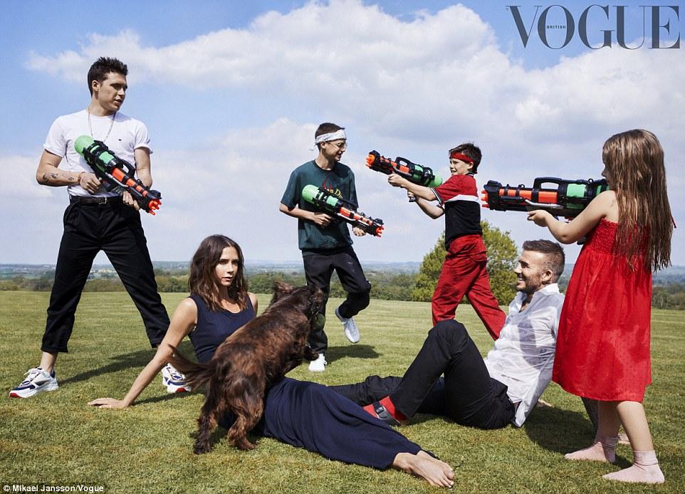 贝克汉姆一家登《Vogue》 画面温馨幸福