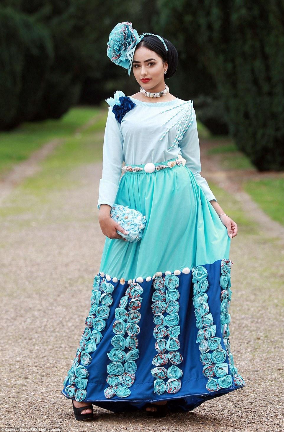 穆斯林学生首次入围英格兰小姐决赛 角逐选美皇后