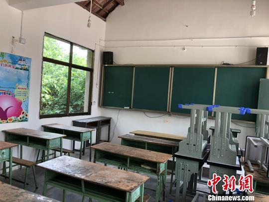 受持续高温影响 四川多地中小学放高温假延期开学