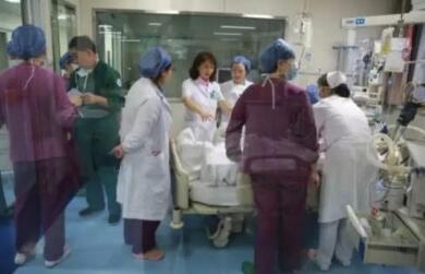 产妇生命垂危医生合力救回 她却拒绝付费并索赔