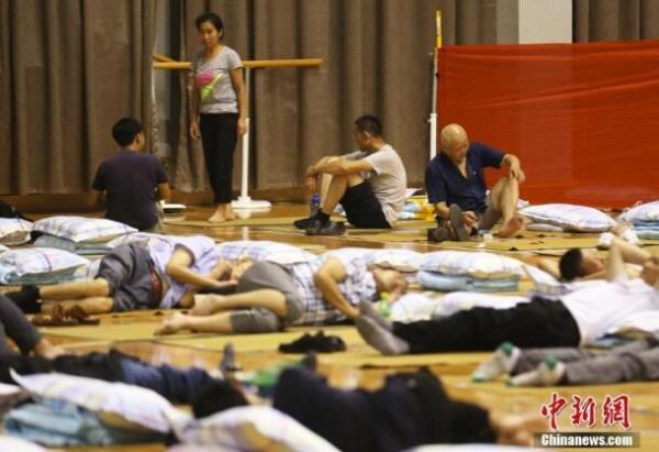 南京航空航天大学设通铺为新生家长提供免费住宿