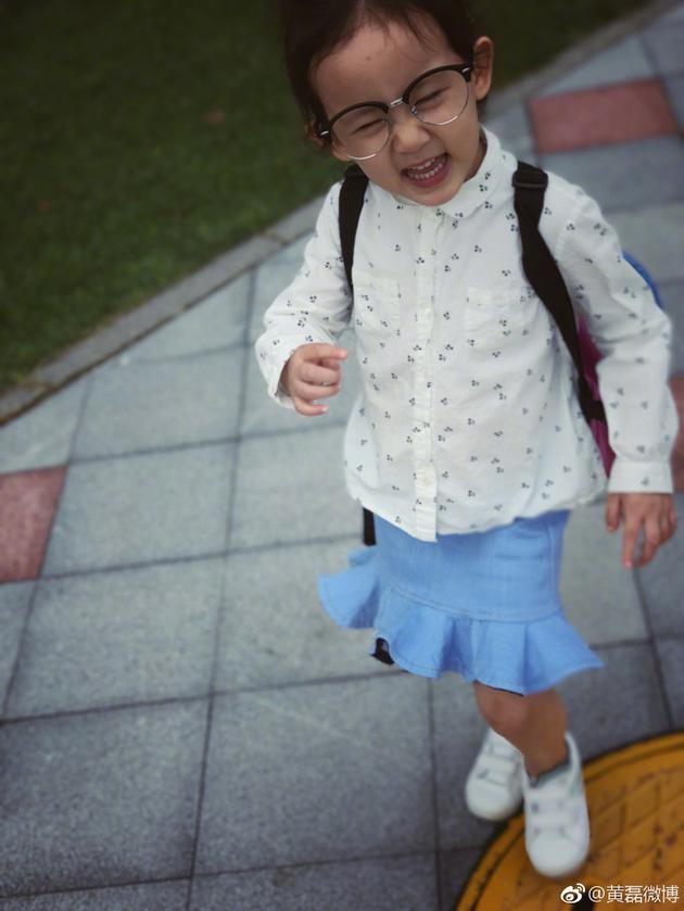 黄磊告诉女儿得低血糖要多吃糖 多妹回复萌翻网友