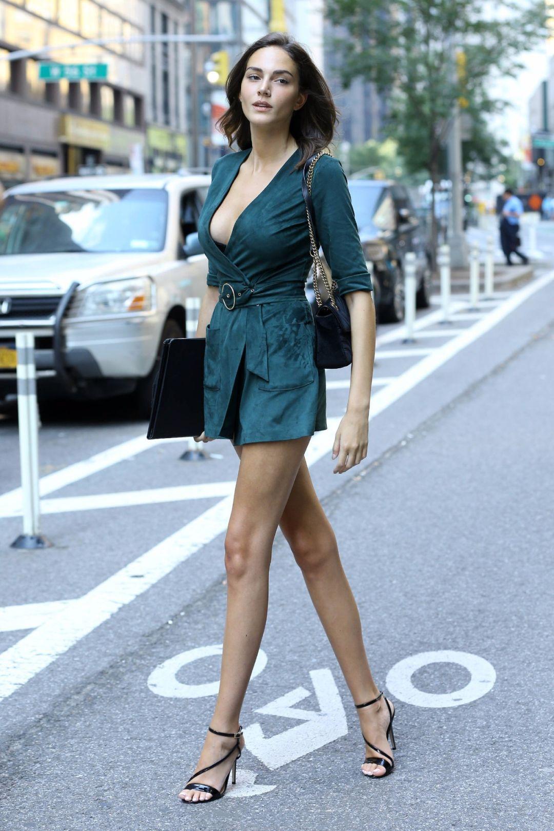 小腿肌肉_全世界的美腿女孩都来维秘面试了!她们的共同点是小腿都比 ...