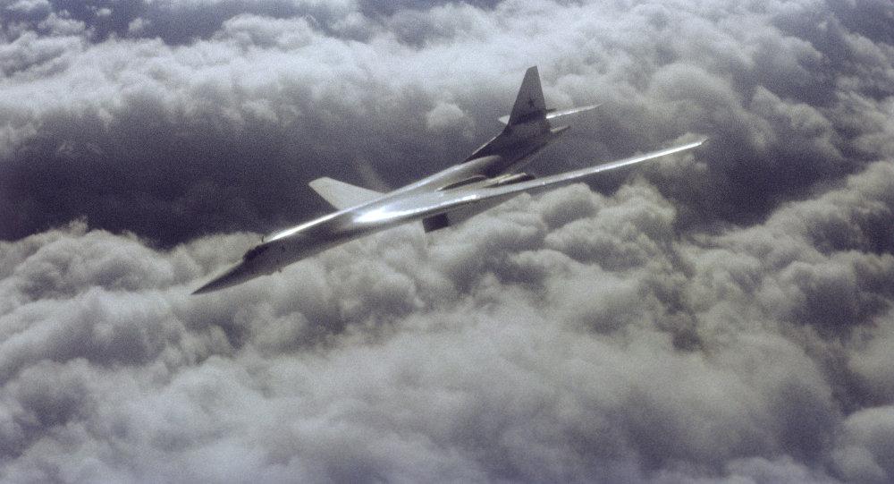 俄两架战略轰炸机飞临地中海 驻叙战机起飞护航
