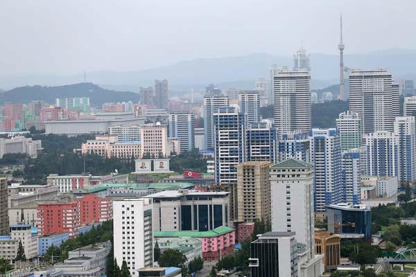 实拍朝鲜平壤市貌:高楼林立 街道整洁