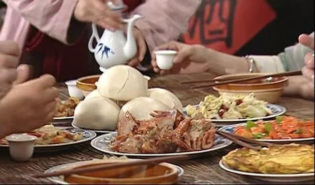 《武林外传》烧鸡吃到吐,为省伙食费,道具饭菜演员真吃