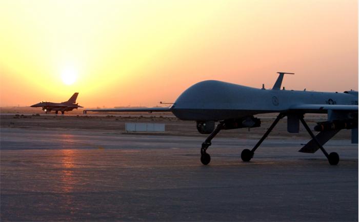美国陆军研发无需降落的无人机 用激光从500米外充电