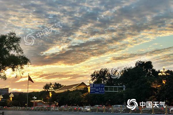 """未来一周京城蓝天白云""""标配"""" 今北部有阵雨阵风七八级"""