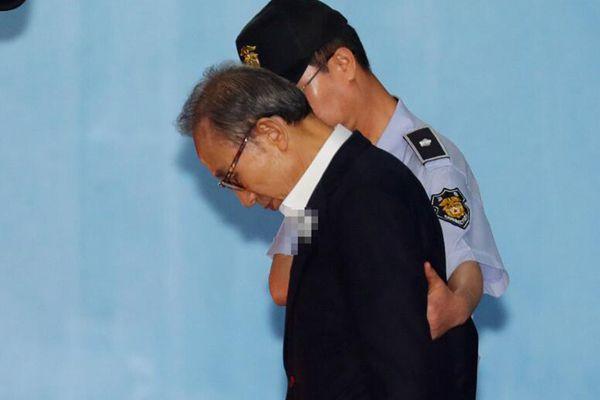 韩国检方要求对李明博判刑20年 罚款9100万元